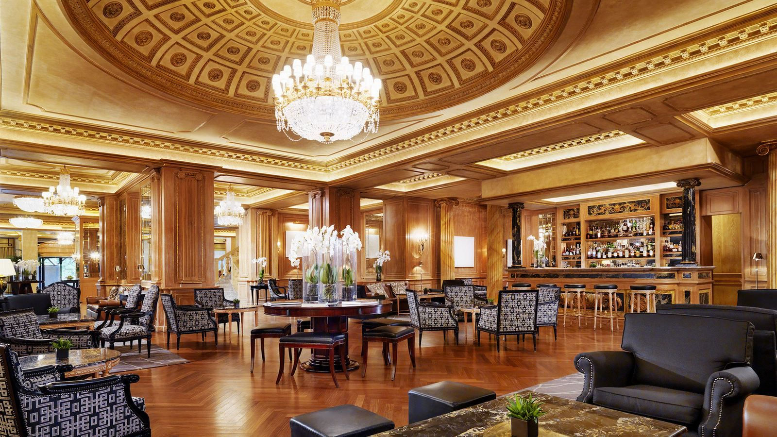 interior of the lounge bar at the westin palace milan